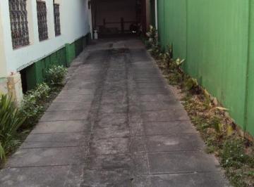 Casa · 315m² · 4 Quartos · 5 Vagas