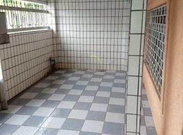 Casa · 100m² · 2 Quartos · 2 Vagas
