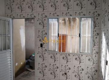 Casa · 70m² · 3 Quartos · 2 Vagas