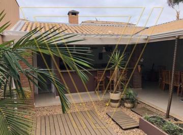 Casa · 139m² · 4 Quartos · 3 Vagas