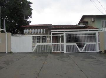 Casa · 218m² · 4 Quartos · 2 Vagas