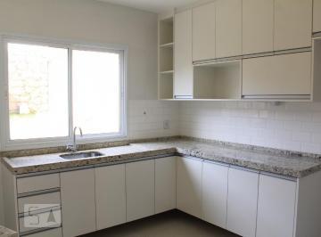 Casa · 115m² · 3 Quartos
