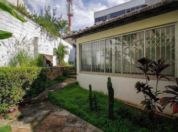 Casa · 238m² · 5 Quartos · 4 Vagas