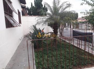 Casa · 90m² · 2 Quartos · 5 Vagas