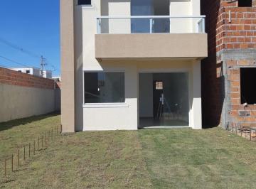 Casa · 76m² · 2 Quartos · 2 Vagas