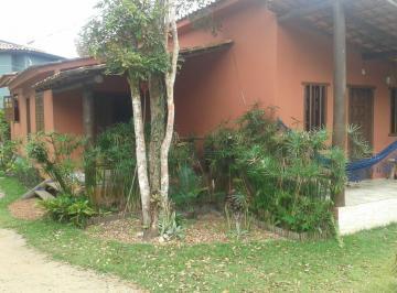 Casa · 130m² · 3 Quartos · 8 Vagas