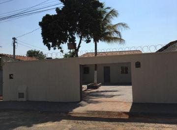 Casa · 57m² · 2 Quartos · 4 Vagas