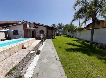 Casa · 181m² · 4 Quartos · 10 Vagas