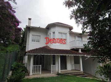 Casa · 230m² · 4 Quartos · 3 Vagas