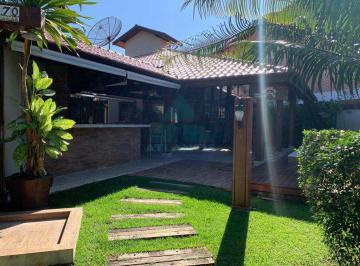Casa · 352m² · 5 Quartos · 2 Vagas