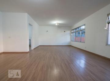 Casa · 370m² · 4 Quartos · 2 Vagas