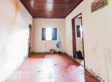 Casa · 45m² · 1 Quarto · 1 Vaga