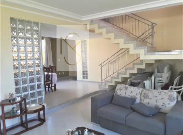 Casa · 450m² · 4 Quartos · 3 Vagas
