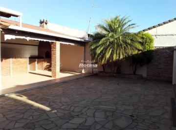 Casa · 187m² · 4 Quartos · 3 Vagas