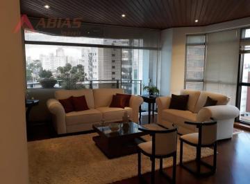 Apartamento · 204m² · 3 Quartos · 3 Vagas