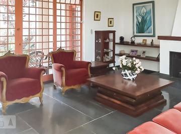 Casa · 573m² · 6 Quartos · 3 Vagas