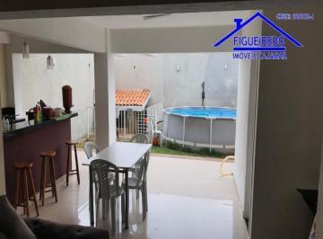 Casa · 150m² · 2 Quartos · 6 Vagas