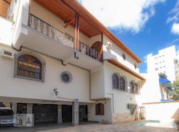 Casa · 500m² · 6 Quartos · 10 Vagas