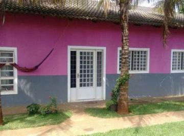 Casa · 200m² · 3 Quartos · 10 Vagas