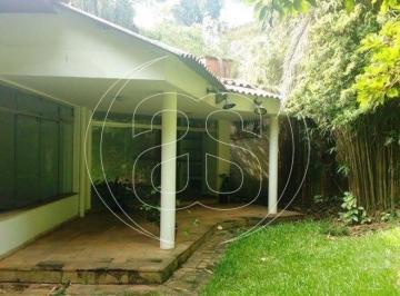Casa · 320m² · 3 Quartos · 4 Vagas