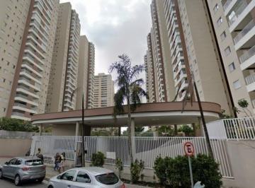 Apartamento · 122m² · 4 Quartos
