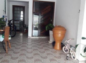 Casa · 135m² · 3 Quartos