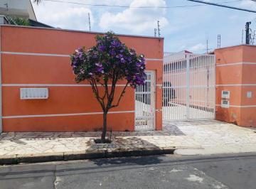 Casa · 211m² · 3 Quartos · 5 Vagas