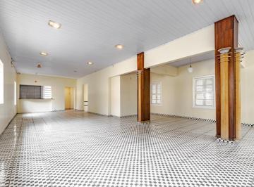 Casa · 330m² · 4 Quartos · 4 Vagas