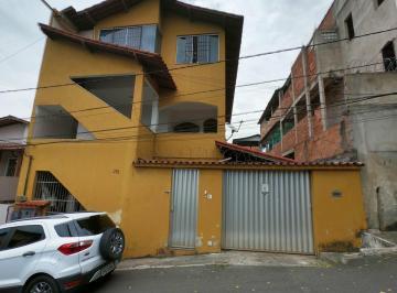 Casa · 210m² · 6 Quartos