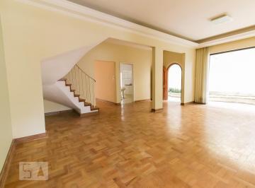 Casa · 350m² · 3 Quartos · 3 Vagas