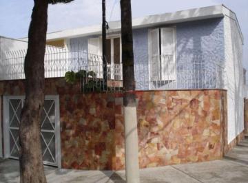 Casa · 122m² · 3 Quartos · 2 Vagas