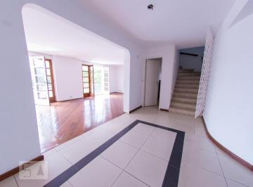 Casa · 343m² · 5 Quartos · 3 Vagas