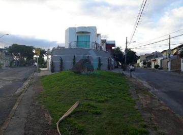 Casa · 130m² · 2 Quartos · 3 Vagas