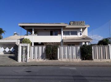 Casa · 470m² · 3 Quartos · 2 Vagas
