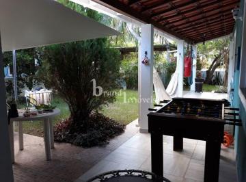 Casa · 300m² · 4 Quartos · 2 Vagas