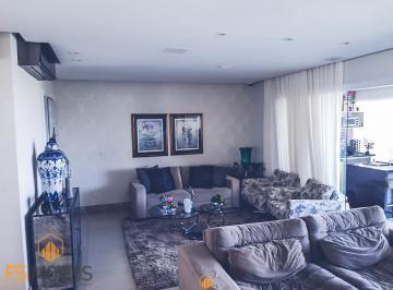 Apartamento · 166m² · 4 Quartos · 4 Vagas