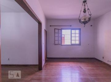 Casa · 220m² · 5 Quartos · 2 Vagas