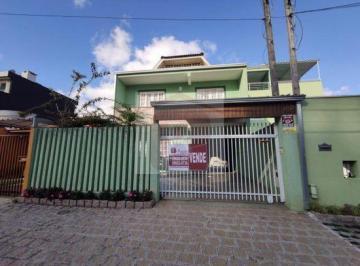 Casa · 169m² · 3 Quartos · 2 Vagas