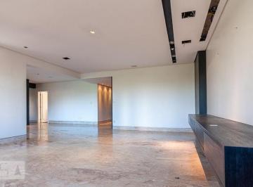 Apartamento · 271m² · 4 Quartos · 4 Vagas