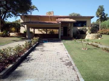 Casa · 400m² · 4 Quartos · 6 Vagas