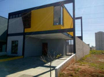 Casa · 212m² · 3 Quartos · 4 Vagas