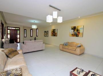 Casa · 480m² · 5 Quartos · 4 Vagas