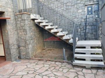 Casa · 240m² · 5 Quartos · 4 Vagas