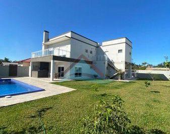 Casa · 350m² · 3 Quartos · 2 Vagas