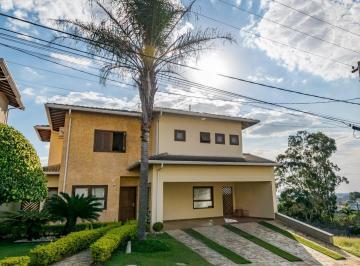 Casa · 284m² · 4 Quartos · 6 Vagas