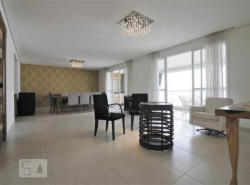 Apartamento · 223m² · 4 Quartos · 4 Vagas