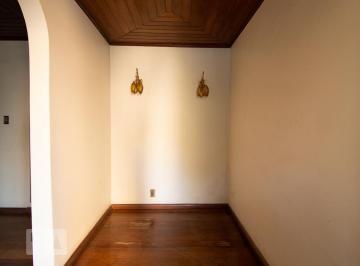 Casa · 360m² · 5 Quartos · 4 Vagas