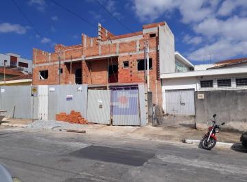 Casa · 3 Quartos · 2 Vagas