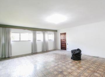 Casa · 290m² · 4 Quartos · 2 Vagas