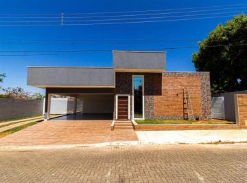 Casa · 260m² · 3 Quartos · 7 Vagas